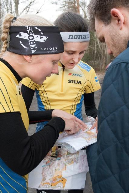 Vägvalsdiskussion efter passet med Sara och Mats. Foto: Stina Loman