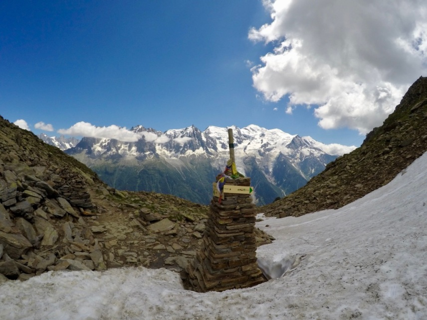 ..över kammen och ner i Chamonix-dalen