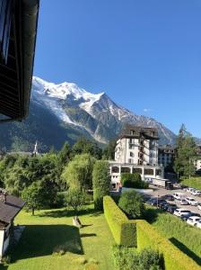 Utsikten över Mont Blanc från balkongen